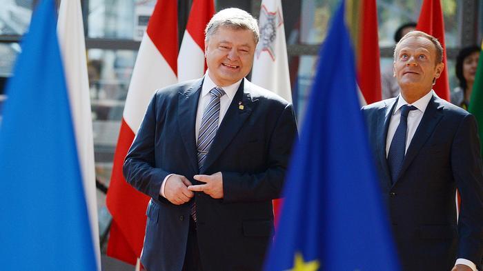 Президент Украины Пётр Порошенко (слева) и председатель Европейского совета Дональд Туск во время встречи в Брюсселе. Фото: © РИА Новости/Алексей Витвицкий