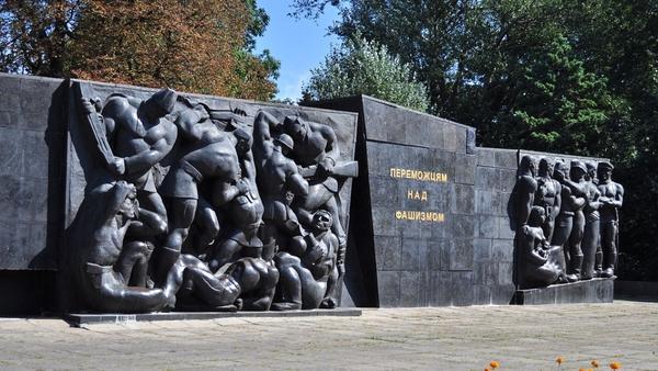 Остались без Родины: снос Монумента славы во Львове может положить конец Украине