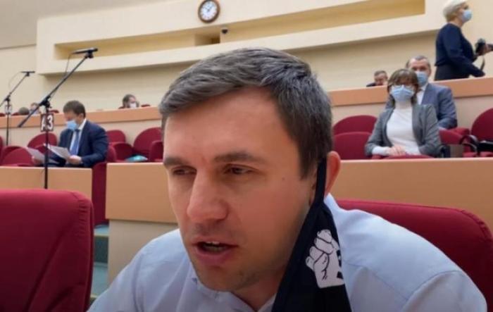 Бондаренко объявил, что за экстремизм его снимают с выборов в Государственную думу