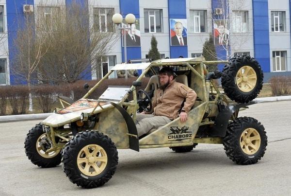 Для разгона москвичей Золотов приобрёл чеченские боевые вездеходы