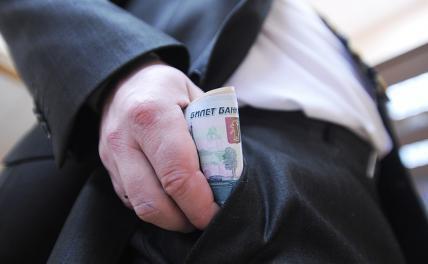 Зарплата в 52 и 100 млн рублей: За что платят кремлевским пропагандистам Соловьеву и Шейнину