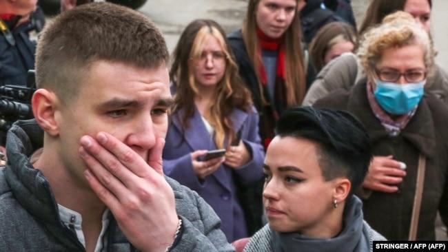 Студенты у Пермского государственного университета 20 сентября