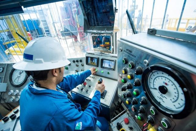 Пульт управления буровой установкой компании Saudi Arabian Oil Company
