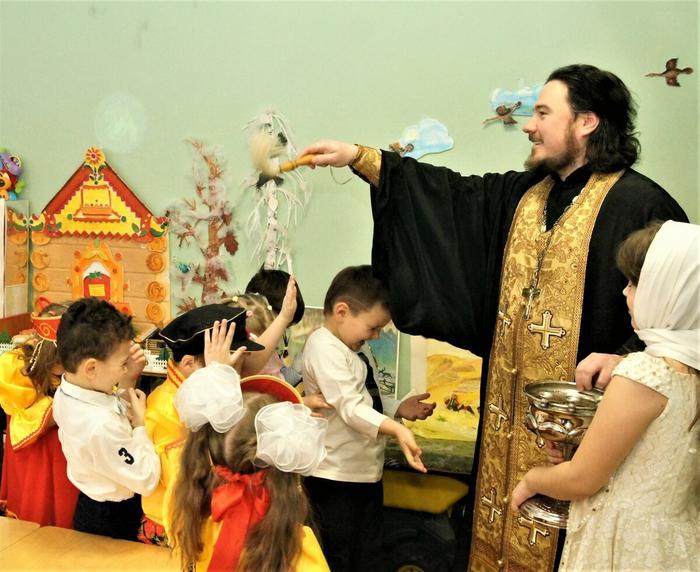 Как в детских садах пропагандируют православие