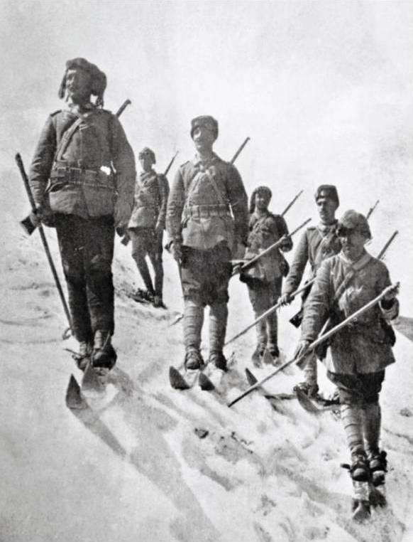 Лыжники османской армии.