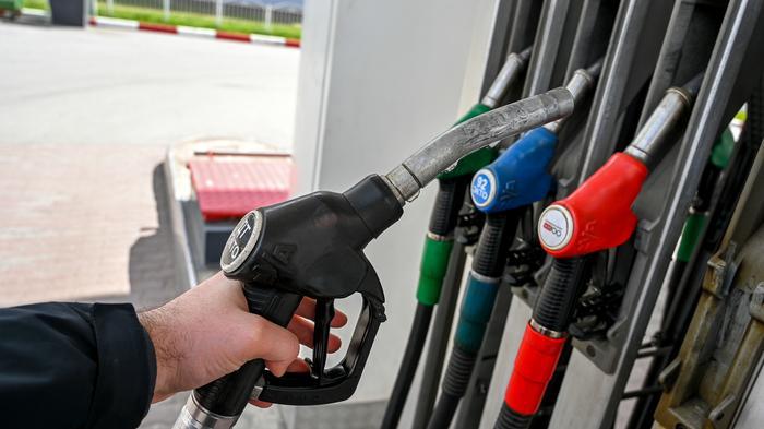 Аналитик объяснил, как возможный запрет экспорта бензина скажется на его стоимости