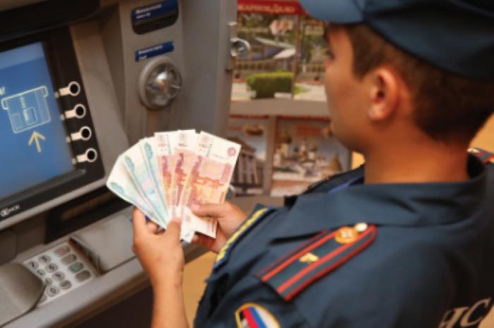 Индексация вместо обещанного повышения: полицейские не скоро дождутся увеличения зарплат