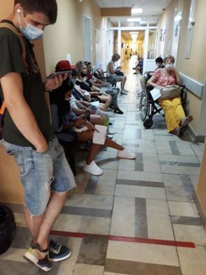 30 тысяч за укус клеща, или почему в Москве почти не осталось бесплатных травмпунктов
