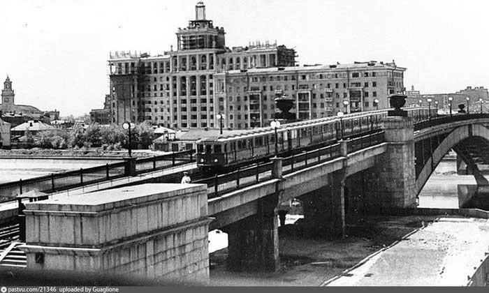 Смоленский метромост, 1950-1952.