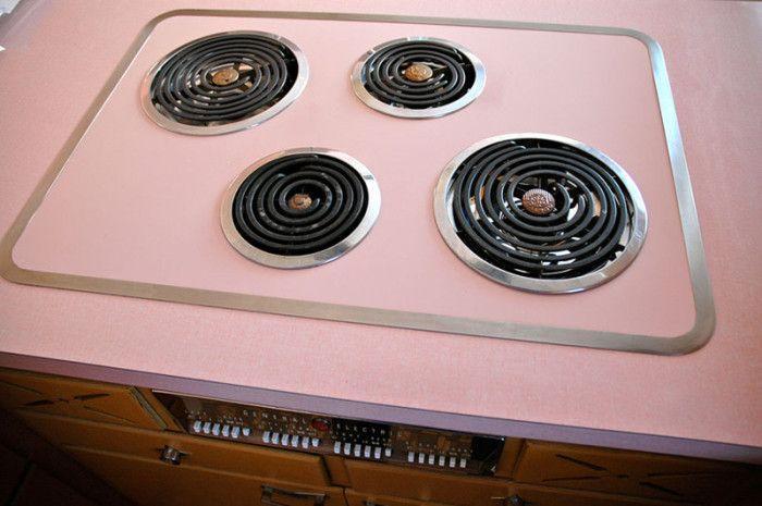 Свежий ремонт кухни 50-летней давности