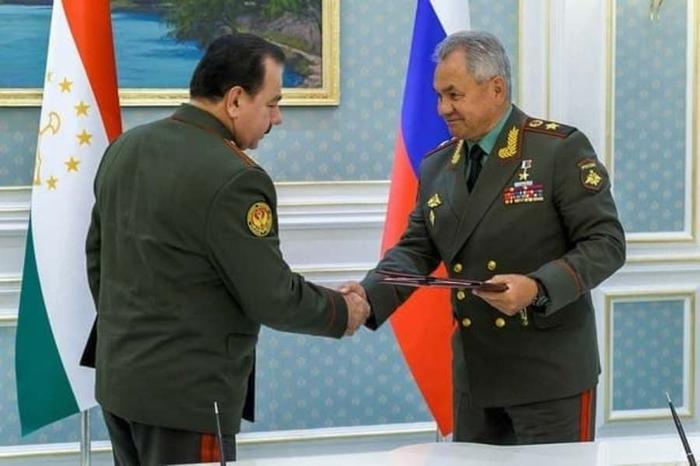 Глава министерства обороны России Сергей Шойгу 27 июля прибыл в столицу Таджикистана, а на...