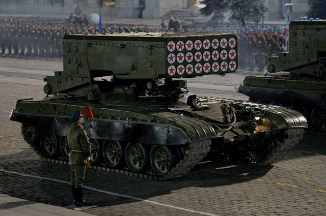 Тяжёлая огнемётная система залпового огня ТОС-1 «Буратино».