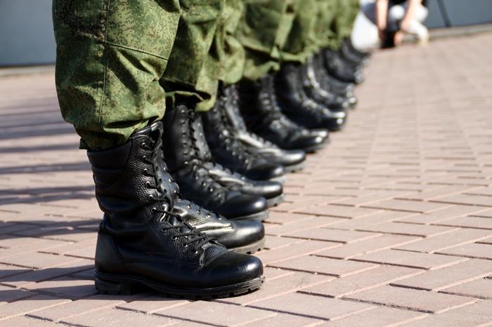 Российская армия состоит из деревенских парней
