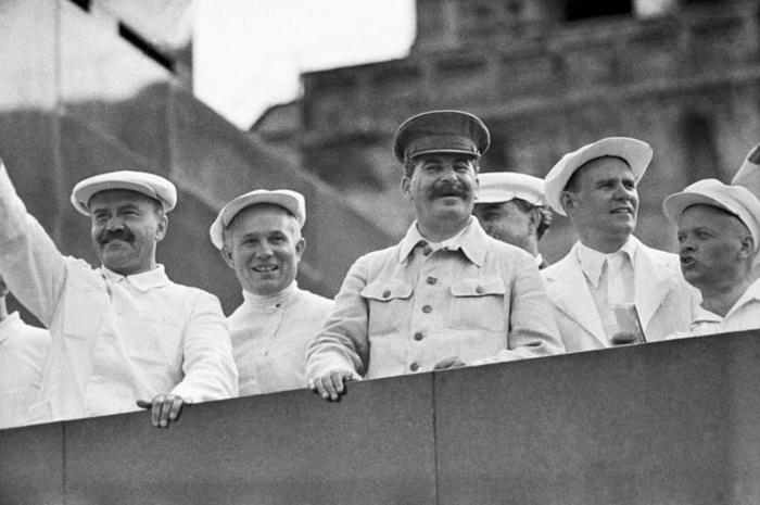 Зачем Сталин предлагал ввести 5-часовой рабочий день
