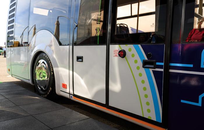 Общественным транспортом средстве секс
