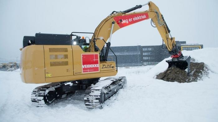 Caterpillar представила электрический 26-тонный экскаватор с гигантским аккумулятором