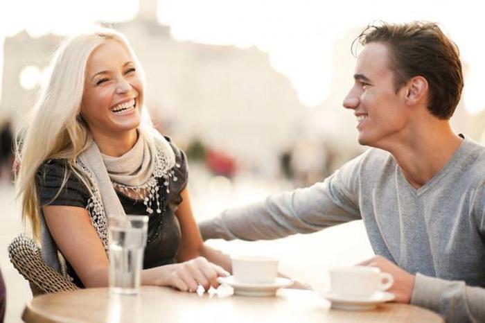Как ответить на комплимент? Как нужно и как не нужно на них реагировать?