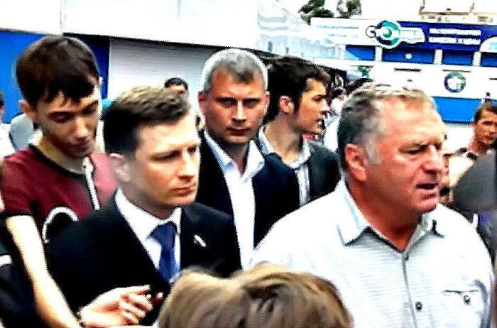 Жириновский, по всей видимости, всё же предал Фургала и не готов идти за него до конца (фото наша-гавань.рф)