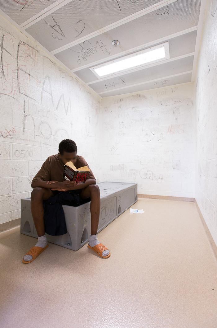 Как выглядят детские изоляторы в США