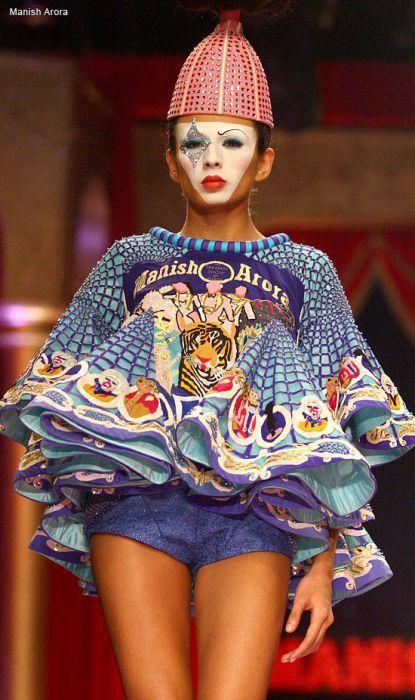 Показанные на индийской неделе моды