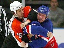 Игрок НХЛ дисквалифицирован за грубость на максимальный срок
