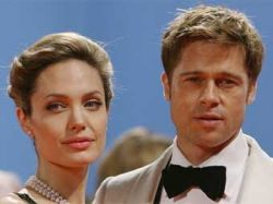 Анджелина Джоли и Брэд Питт купили работу Бэнкси за миллион фунтов