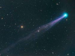 Маленькая комета игнорирует принципы астрофизики