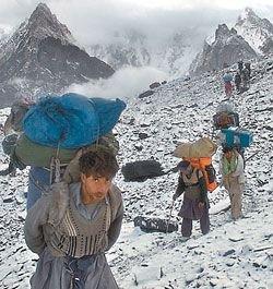 Сборная команда России по альпинизму — стали первыми в мире, покорившими пик Чогори