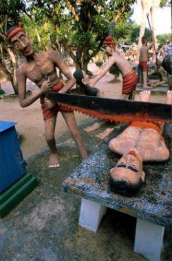 Таиландский парк страшного суда и его ужасающие скульптуры (фото)