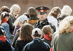 Специалисты предсказывают всплеск подростковой преступности в России