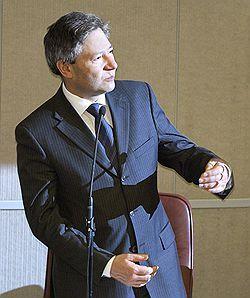 Леонид Рейман одобрил концепцию создания универсальной платежной платформы на основе сотового телефона