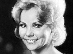 Умерла известная американская джазовая певица Тереза Брюэр