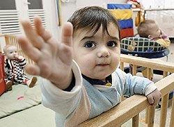 Что дарить сиротам? Благотворительные фонды каждый день возвращают обратно часть помощи
