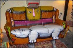 Граффити на мебели (фото)