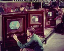 Первые цветные телевизоры (фото)