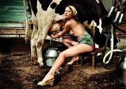 Эротические фотографии из немецкого календаря Jungbauern kalender 2008 (фото)