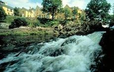 Independent: 5 лучших отелей с видом на водопад