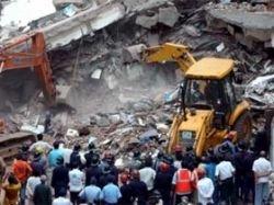 На юге Индии обрушился жилой дом, заживо погребенными оказались 13 человек