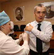 Геннадий Онищенко предлагает пересмотреть систему закупок вакцин