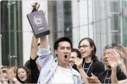 iPhone занял четвертую строчку в списке самых продаваемых телефонов в США