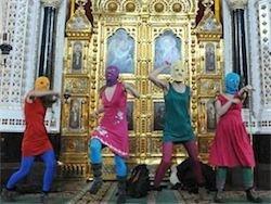 Разыскиваемые участницы Pussy Riot покинули Россию