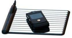 Подзарядка без проводов для RAZR и iPod