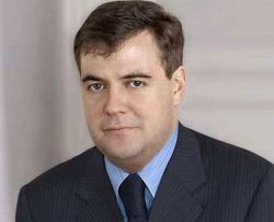 Медведев утвердит стандарт по русскому языку на примере TOEFL