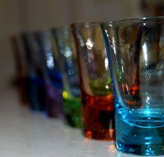 Избирателей запретили поить водкой в день выборов