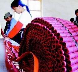 В Китае изготовлена самая большая в мире хлопушка