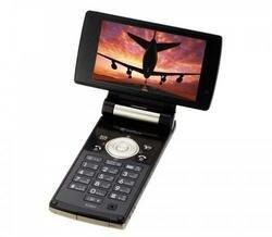 Sharp выпустил телефон со встроенным телевизором Sharp AQUOS (фото)