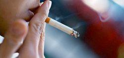 Навсегда расстаться с сигаретой курильщику проще под гипнозом