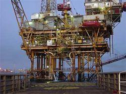Десять рабочих нефтяной платформы погибли из-за шторма в Мексиканском заливе