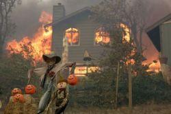 Пожар в Калифорнии продолжается (фото)
