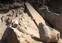 Для перемещения гигантских гранитных глыб из каменоломен в Древнем Египте использовали каналы